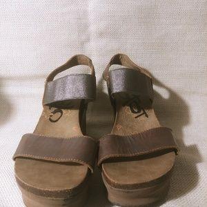 10 OTBT BROWN platform sandal